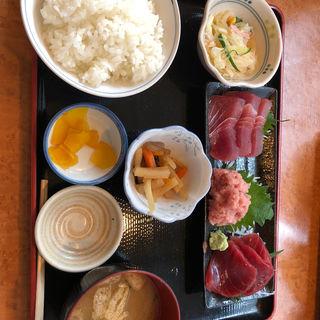 マグロ刺身定食(魚市 )