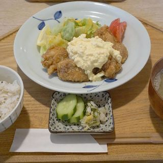 地鶏チキン南蛮定食(阿波尾鳥)(キッチンよい一日 春日店)