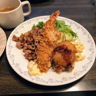 海老・帆立フライ 豚バラの焼肉(デリス (delices))