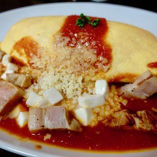 〈月替わりメニュー〉3種のチーズとトマトソースのオムライス(長屋オムライス 大阪駅前第3ビル店 )