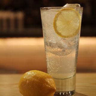 名物レモンサワー(お酒と和ごはん KINJO)
