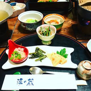蔵出しの膳(前菜三点盛り・煮物・鯛の南蛮漬け)