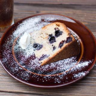 ブルーベリーとオレンジピールのバターケーキ(パーランド (parland))
