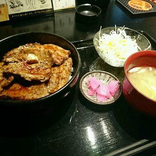 バラ豚丼(十勝ほっこり処 姉さん家)