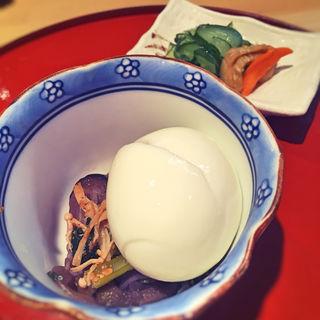 うな卵丼(丼・お吸い物・小鉢・漬物付き)(博多 川扇)