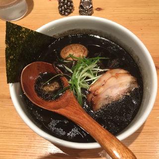 こがし(黒)(らーめん 麺泥棒 )