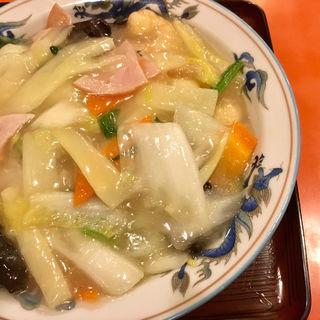 エビあんかけ塩焼きそば(中華料理 香州)