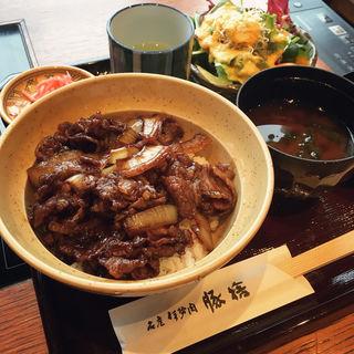 牛丼(豚捨 (ブタステ))