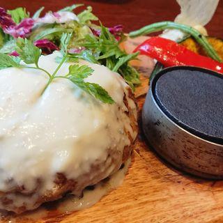 黒毛和牛ハンバーグランチ レギュラー 150g(梅田肉料理 きゅうろく)