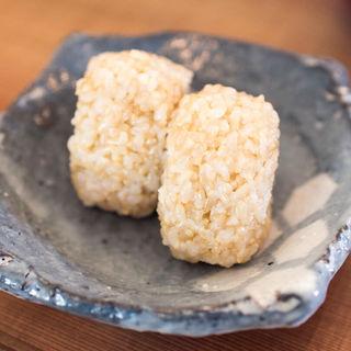 玄米おにぎり(八葉食堂)