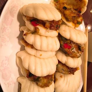 熊本赤茄子の麻婆炒め 蒸しパン添え(大成閣 (タイセイカク))