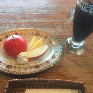 真っ赤なりんごのケーキ(セット)