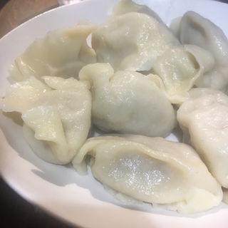 豚肉と漬白菜の水餃子(中国雲南省過橋米線専門店 万宝米線)