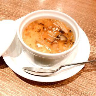 フォアグラの茶碗蒸し(色々な木の子の入った和風あんかけ)(赤白 (KOHAKU))