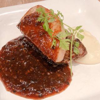牛フィレ肉とフォアグラのソテー、ロッシーニ風(赤白 (KOHAKU))
