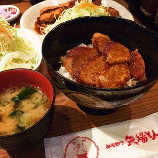 ヒレカツ丼(矢場とん 東京銀座店 (やばとん))