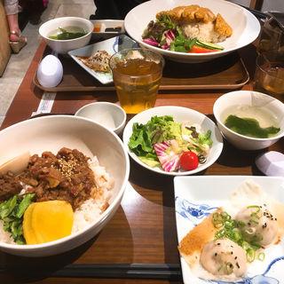 魯肉飯(羽根つき焼小籠包 鼎's 自由が丘店)