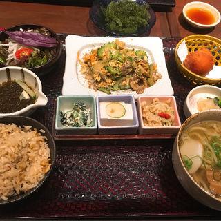 ゴーヤチャンプルー定食(沖縄料理 あだん)