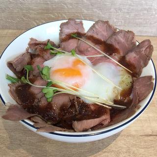 ローストビーフ丼(CAFE&BAR ROYALPORT)