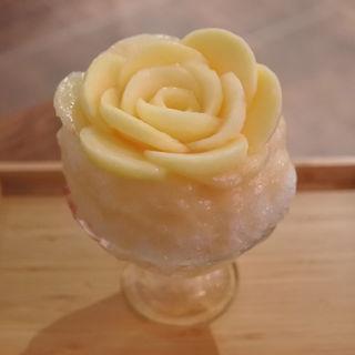 花盛りかき氷 桃(にしのみや果汁店)
