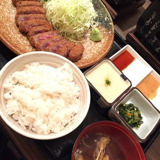 牛カツ麦飯定食(とろろ付き)(牛かつもと村 渋谷宮益坂店 )