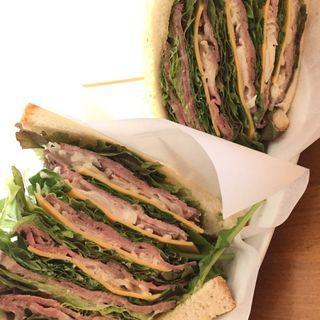 ローストビーフのサンドイッチL(松濤カフェ)