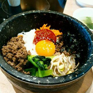 石焼きビビンバ(韓国料理 bibim' KITTE博多店)