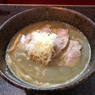 冷たい 魚三(別邸三く 豚骨らーめん真真(マシーン))