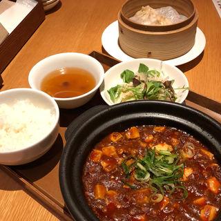 麻婆豆腐セット(龍福小籠堂 NU茶屋町店 (NU chayamachi))