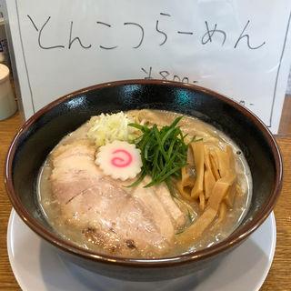 とんこつらーめん(中華そば桐麺)