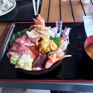 女川丼(お魚いちば おかせい)