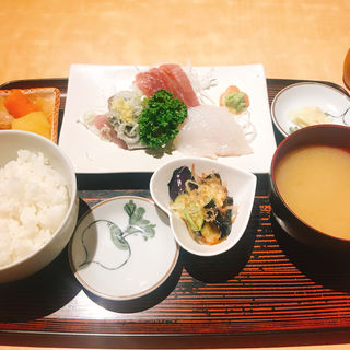 大浜刺身定食(居酒屋 大浜 )