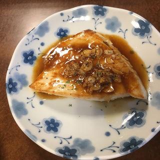 カジキマグロのニンニクバターソテー(飯田屋酒店 )