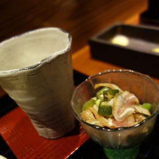 ミミガーとオクラの和え物(博多町家 喫茶&酒舗 みねとこ)
