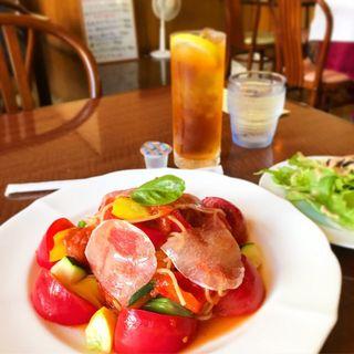 完熟トマトの冷製パスタ
