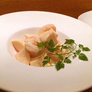 海老と白桃のカクテルサラダ(キュイジーヌ・MA )