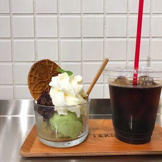 お茶のアイスクリームと丹波産あんこのパルフェ(カテリーナ 恵比寿店)
