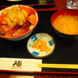 鳴石丼(海 (魚料理))