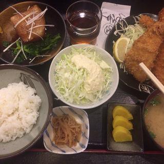 角煮とイカフライの定食(わぶ )