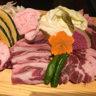 北海道産「西川農場アスパラ羊ラム」盛り合わせ(北海道ビール園)
