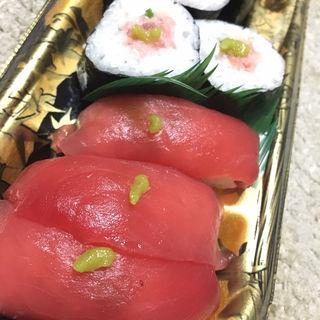 まぐろ寿司セット(ディナーベル ススキノ南7条店)