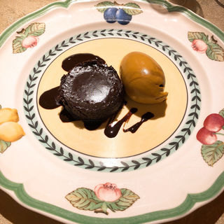 コニャック風味フォンダンショコラとキャラメルアイス(ル・ジャルダン・デ・サヴール)
