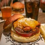Chili Cheese Burger チリチーズバーガー