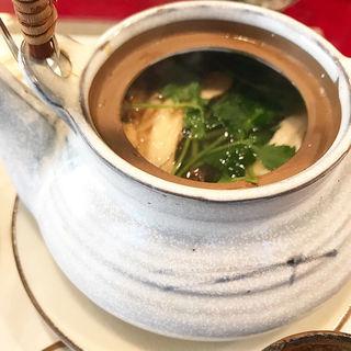 松茸の土瓶蒸し(かぶら )