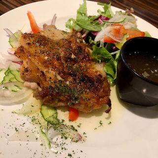 スパイス香る鶏もも肉のグリル(CAFE OVEST (カフェ オヴェスト))