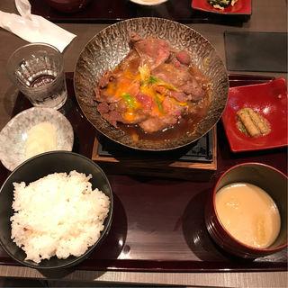 牛たんすき焼き定食(六道 (ROKUMICHI))