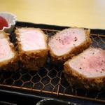 ナチュラルポーク ロース・ヒレ食べ比べ定食(とんかつ中村)