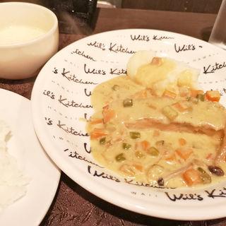 サーモンムニエル野菜バターソース(レストラン&バー ウッド・スプーン )