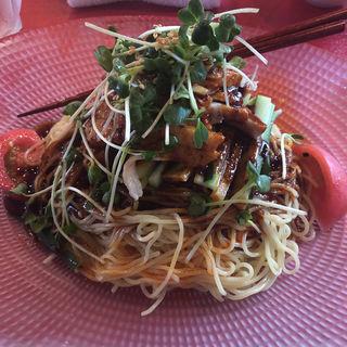 蒸し鶏冷麺(中国料理 四川  (シセン))