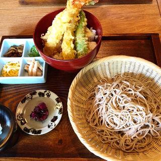 蕎麦と天丼セット(三味洪庵 銀閣寺店)